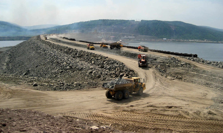 Мир плотин: Вода и камень