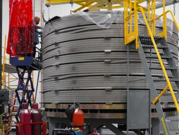 Инженеры из США завершили сборку самого крупного магнита термоядерного реактора ИТЭР