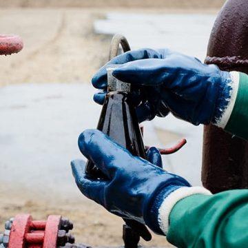 Ученые РФ запатентовали технологию уменьшения времени очистки нефти от воды после добычи