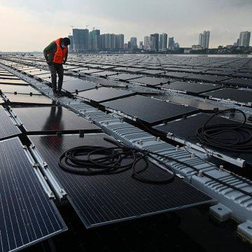 В Сингапуре открыта одна из крупнейших в мире плавучих солнечных электростанций