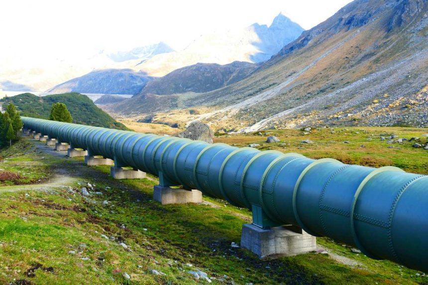 Китай начал строительство газопровода для переброски газа с запада на восток страны