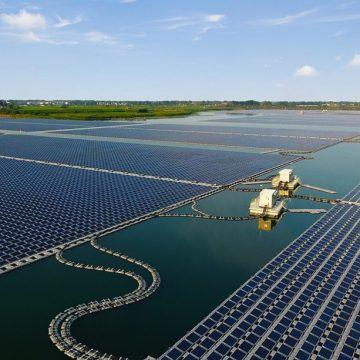 В ЮАР запущена в эксплуатацию плавучая солнечная электростанция